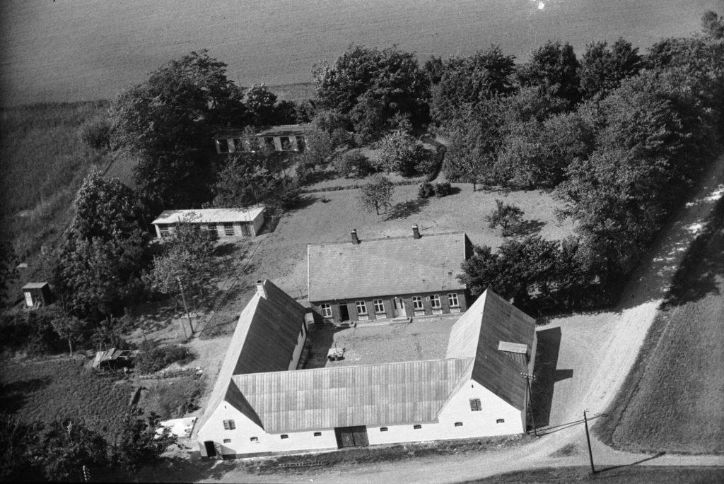 Vejvedgaard 1946 Svingomgården